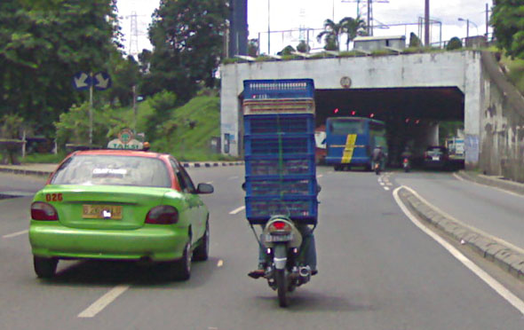 """Atraksi"" harian para pengendara motor di Jakarta"