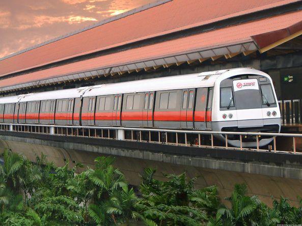 Kereta MRT (sumber: Wikipedia/Calvin Teo)