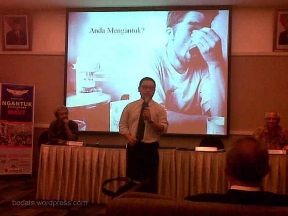 dr. Andreas Prasadja berbicara tentang penyebab mengantuk saat berkendara.